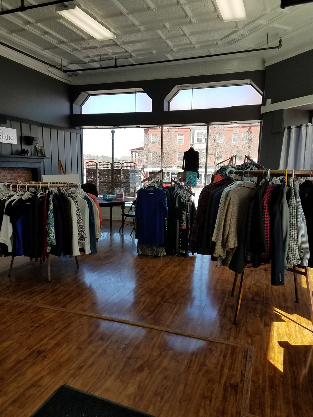 Shining Success, boutique interior