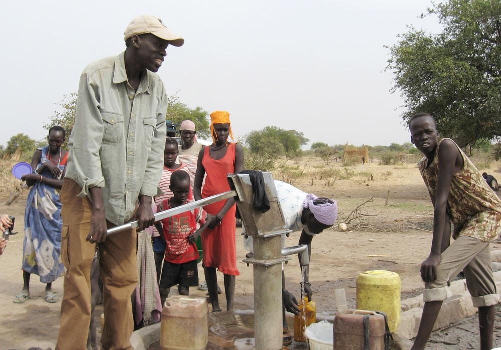Salva pumping water