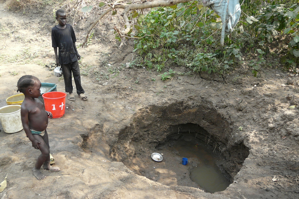Hand dug well in maiwut, south sudan