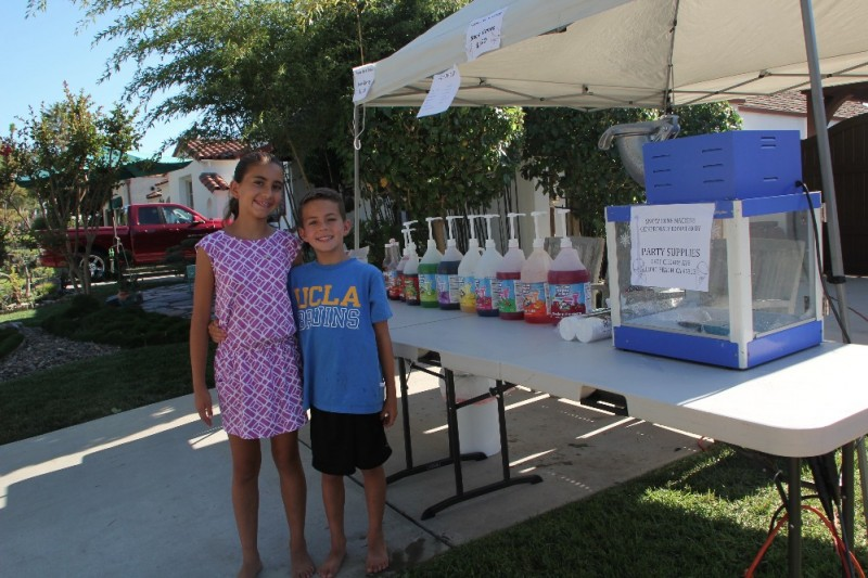 Sofia and Diego Snowcones for a Cause.jpg