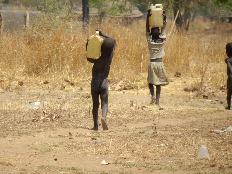 Children carrying water 1.jpg