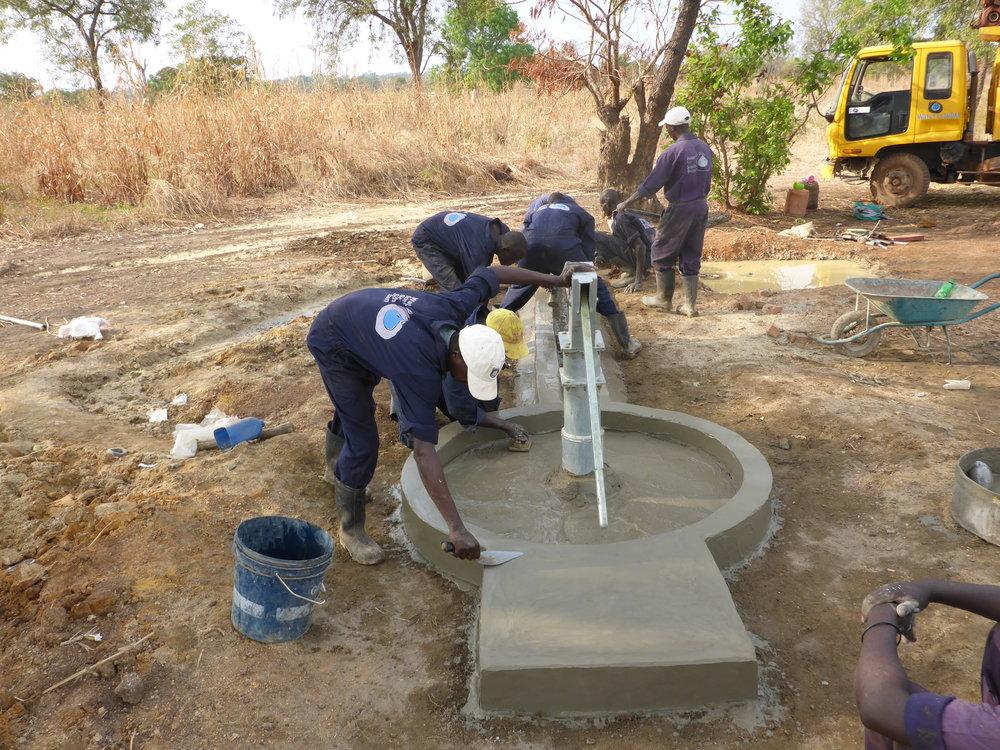P1000237-Drilling Team.JPG