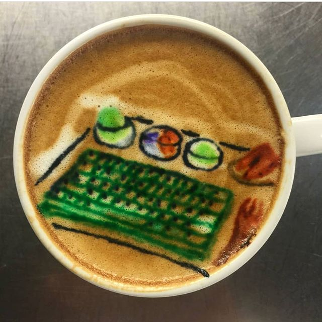 Check out the artwork @mycrosscafe -now you can drink your green tea waffle! 🤓⌨️🍽 #matcha #greentea #greenteawaffle #greenwaffle #waffle#keyboardwaffles #keyboardwaffleiron #crosscafe #mycrosscafe #taiwan #menu #latte #coffee #coffeeart #coffeeartists #ctrlaltdelicious