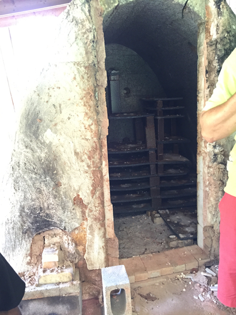 Looking into Michael's current kiln