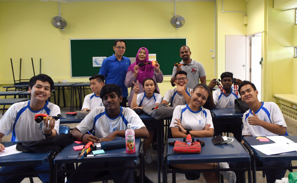 Training in Schools - Singapore - Yusof Ishak - F1 in Schools 02