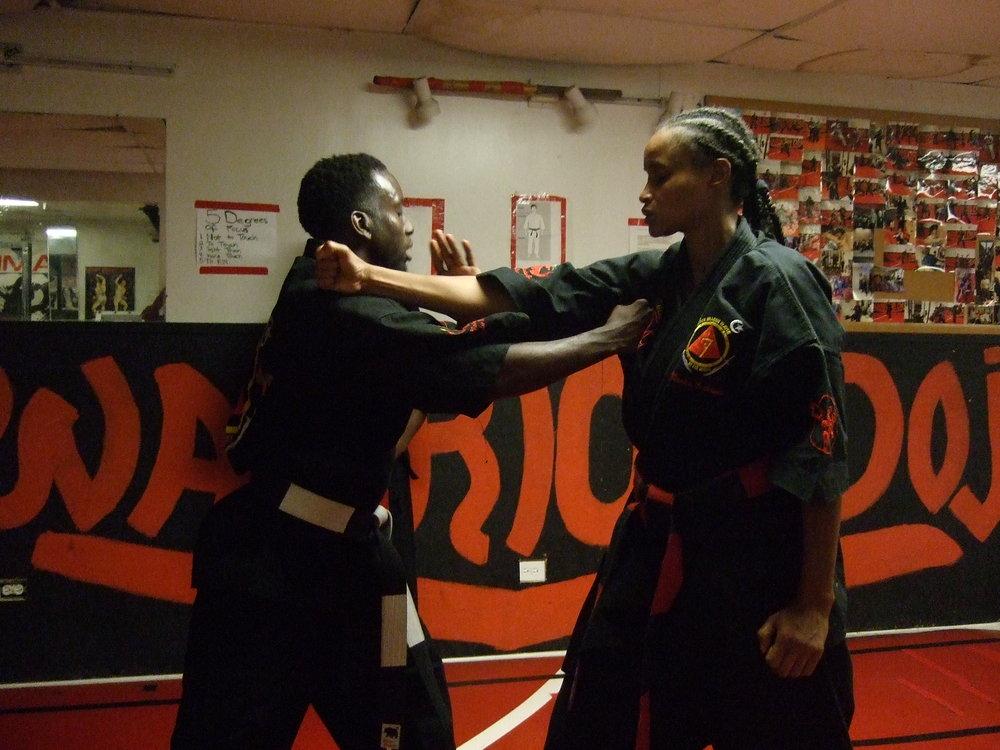DSCF1847_kris_blade_katrina_fist_tension_opowerful_strong.JPG