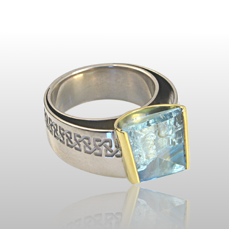 Contemporary 18k White Gold Ring with a Designer Cut Aquamarine set into 22k Gold from the 'Spectrum' Collection by Pratima Design Fine Art Jewelry