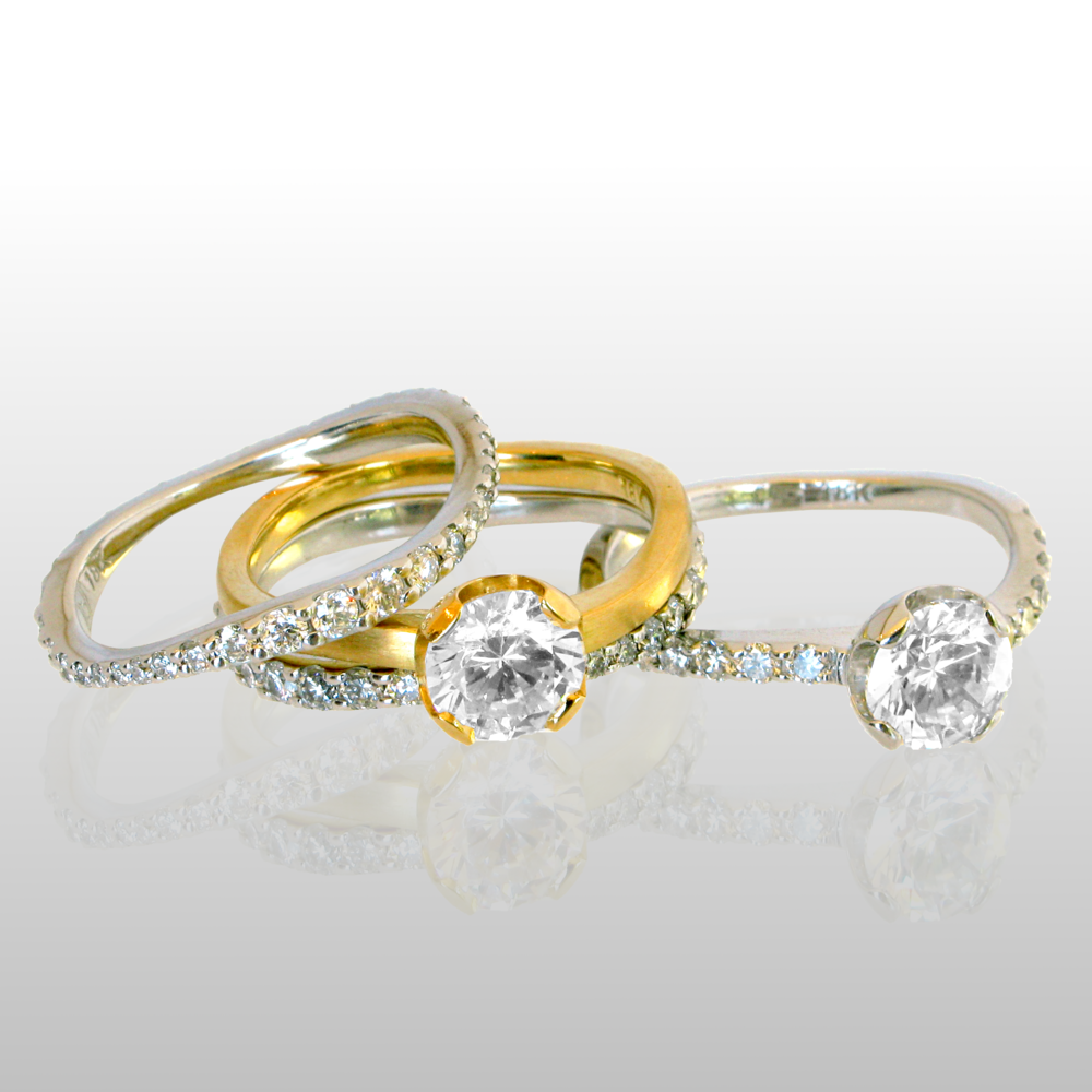 Contemporary wedding ring set 'lamello' - solitaire and eternity band - in 18k gold or platinum by Pratima Design Fine Art Jewelry