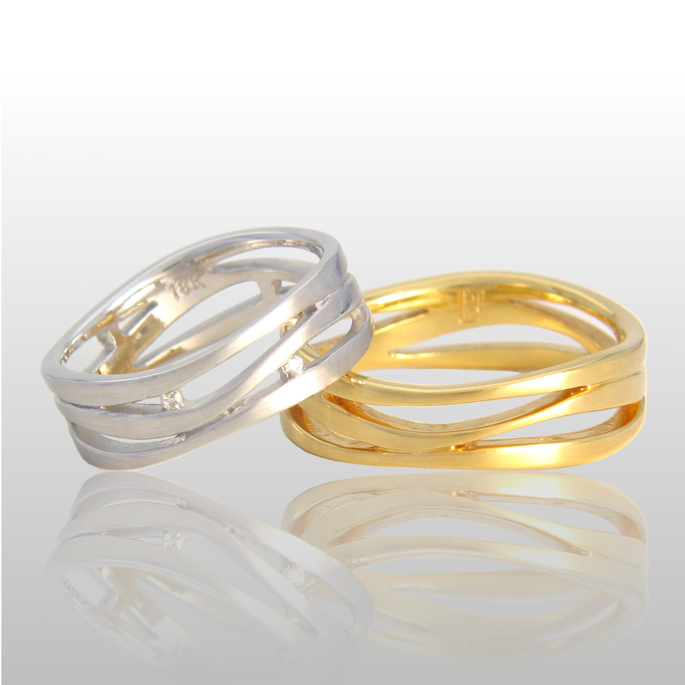 Wedding ring set -his and hers- in 18k gold or platinum with diamonds 'Lamello' by Pratima Design Fine Art Jewelry