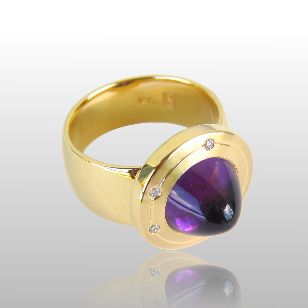 "Contemporary 18k Gold Ring ""Orbit"" with Amethyst and Diamonds by Pratima Design Fine Art Jewelry"