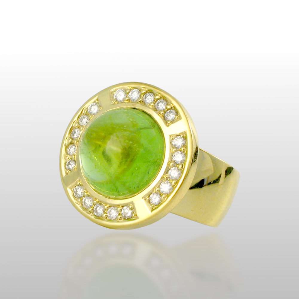 "Unique 18k gold ring ""Orbit"" with peridot and diamonds by Pratima Design Fine Art Jewelry"