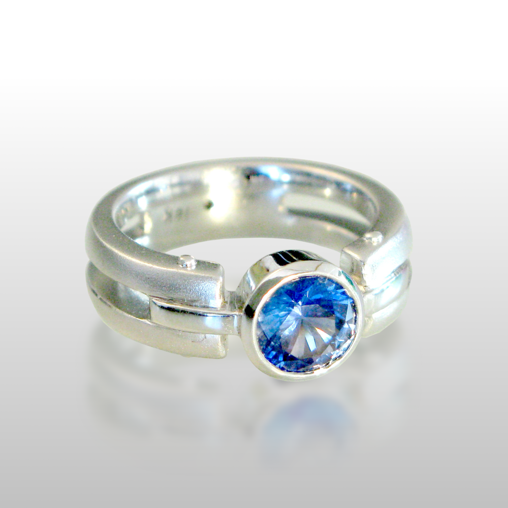 Contemporary 18k white gold ring 'Millennium' with blue sapphire by Pratima Design Fine Art Jewelry