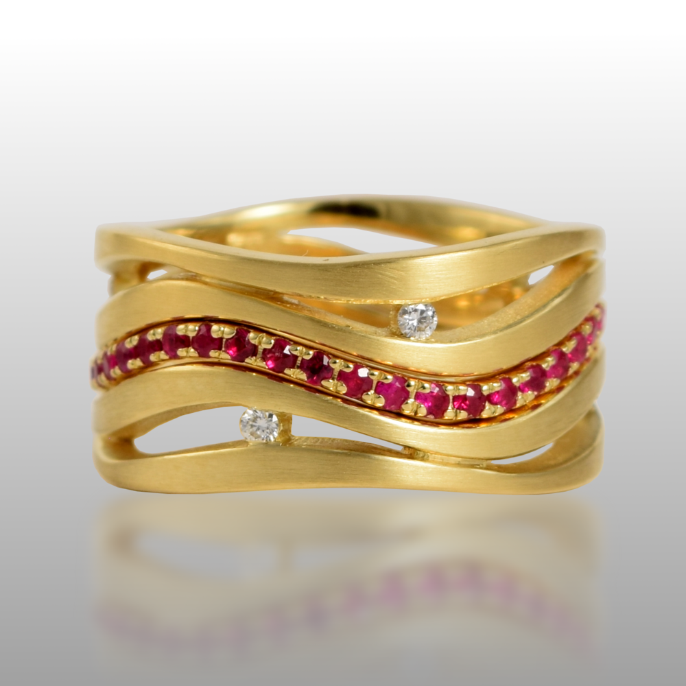 Wedding 3-Ring Set 'Lamello' in 18k gold with Diamonds and Ruby Pavé Eternity Band by Pratima Design Fine Art Jewelry Maui