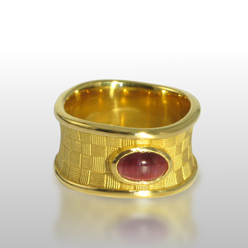 Contemporary Ring 'Lauhala' in 22k Gold with Pink Cat's Eye Tourmaline from the 'Spectrum' Collection by Pratima Design Fine Art Jewelry