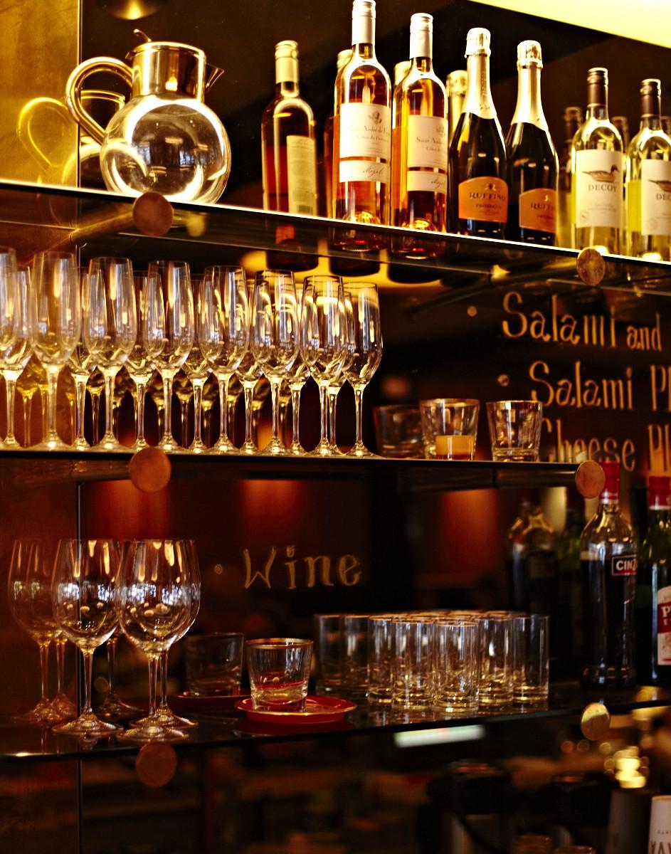 KAVA CAFE_2011_LORES_ADRIAN GAUT (20).jpg