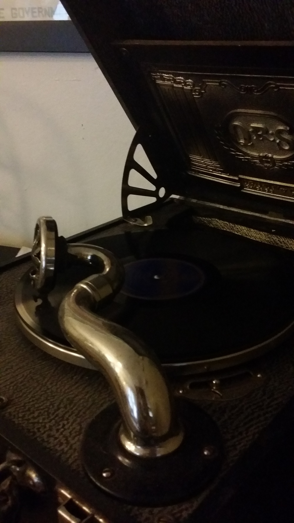 My phonograph in action, as I recorded I'm a Jazz Vampire for your listening pleasure.