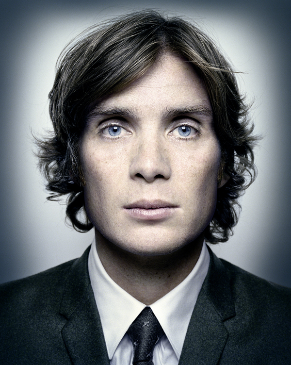 CillianMurphy_wearing_wool_suit_DiorHomme_600_by_752.jpg