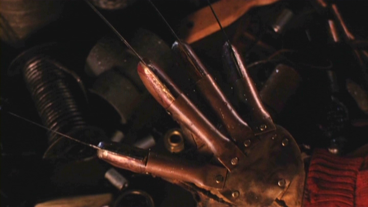 a-nightmare-on-elm-street-glove-03.jpg