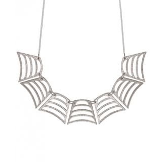 spiderweb_collar_necklace_09.png