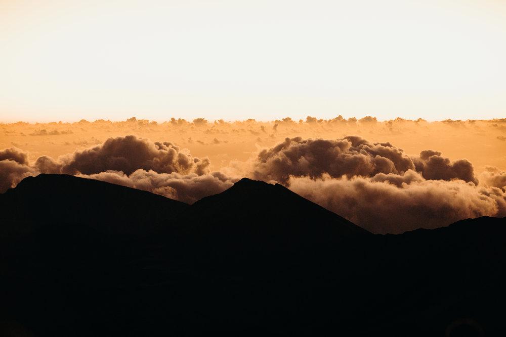 Hawaii-Proposal-Photographer-Haleakala-Sunrise-Proposal-Keani-Bakula-Photography-2.jpg