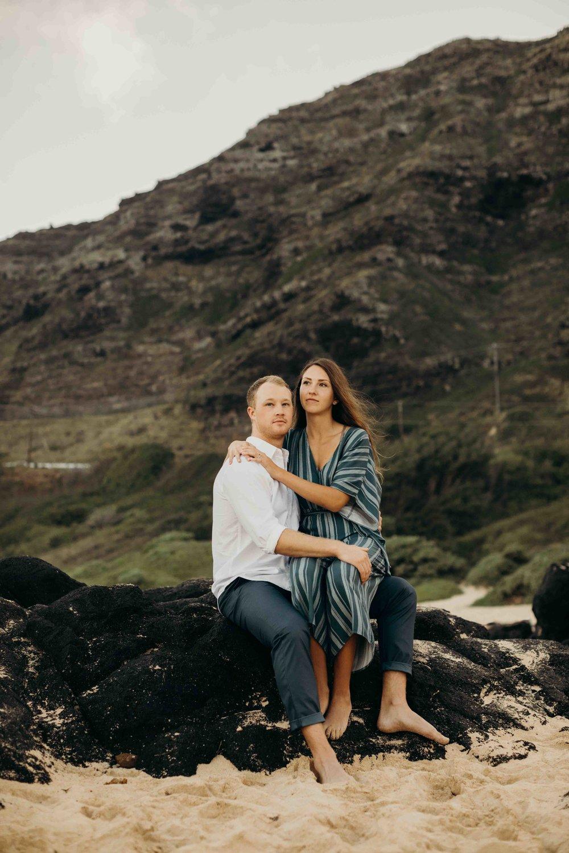 hawaii-engagement-photographer-keani-bakula-makapuu-beach-14.jpg