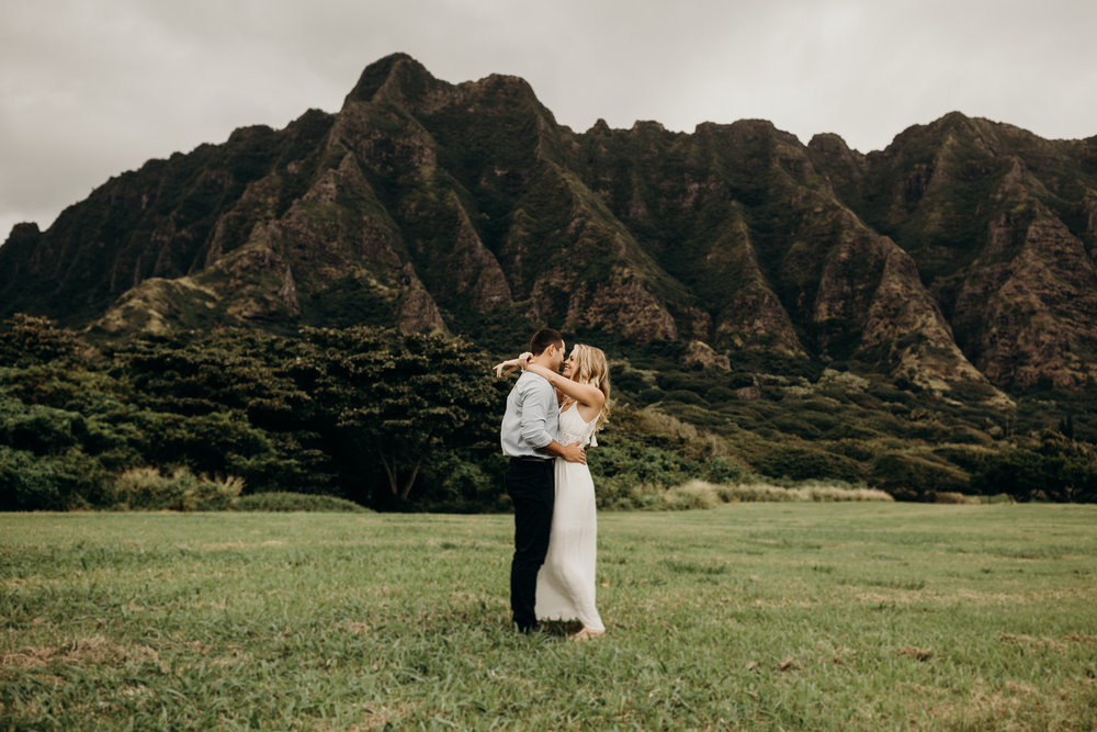hawaii-engagement-photographer-keani-bakula-kualoa-ranch-3.jpg