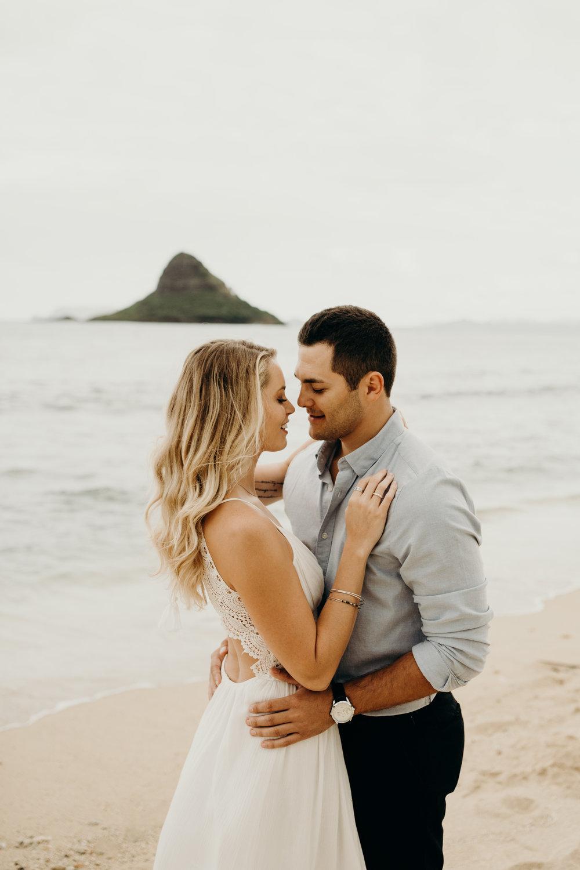 hawaii-engagement-photographer-keani-bakula-kualoa-ranch-8.jpg