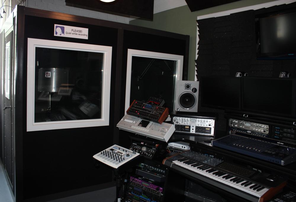 Control room 1.jpg