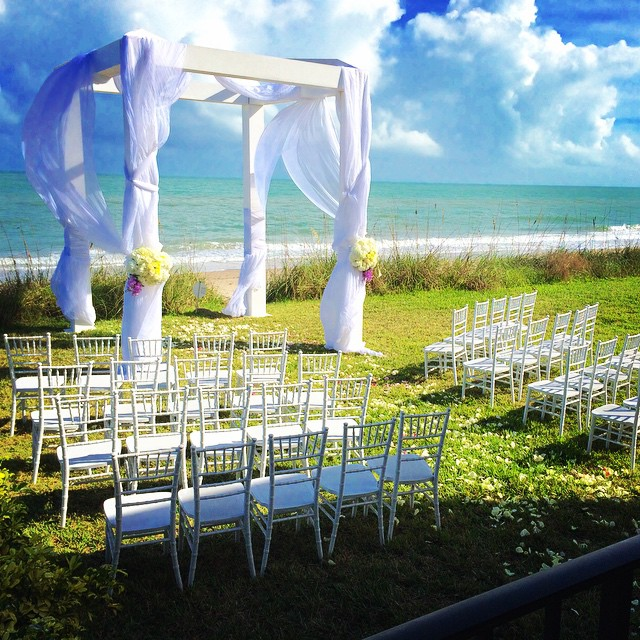 Yesterday's beach ceremony from our 3 day New Years wedding :) @lara.b22 @robinmiller427 #theeventfirminternational #floralsbyfe #verobeach #beachwedding #3daywedding #gorgeousday