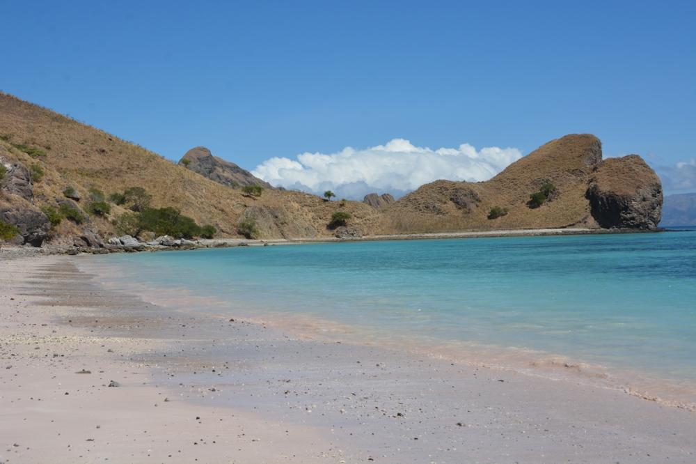 komodo secret beach during tiger blue sailing