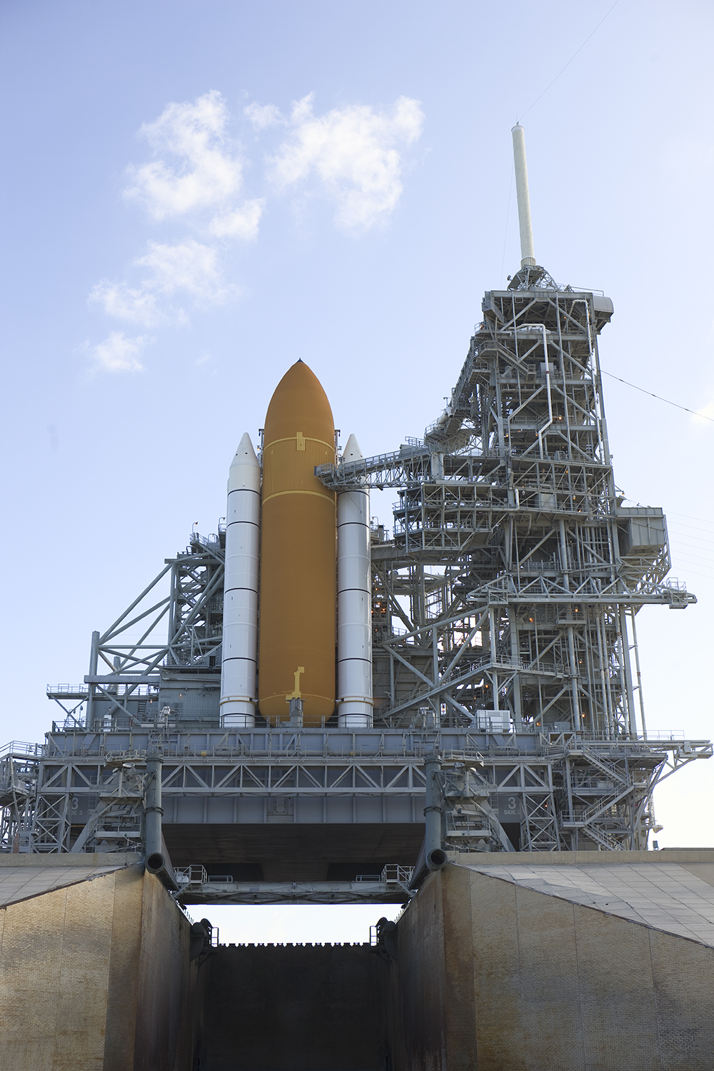 Space Shuttle Endeavour, STS-400, Pad 39B