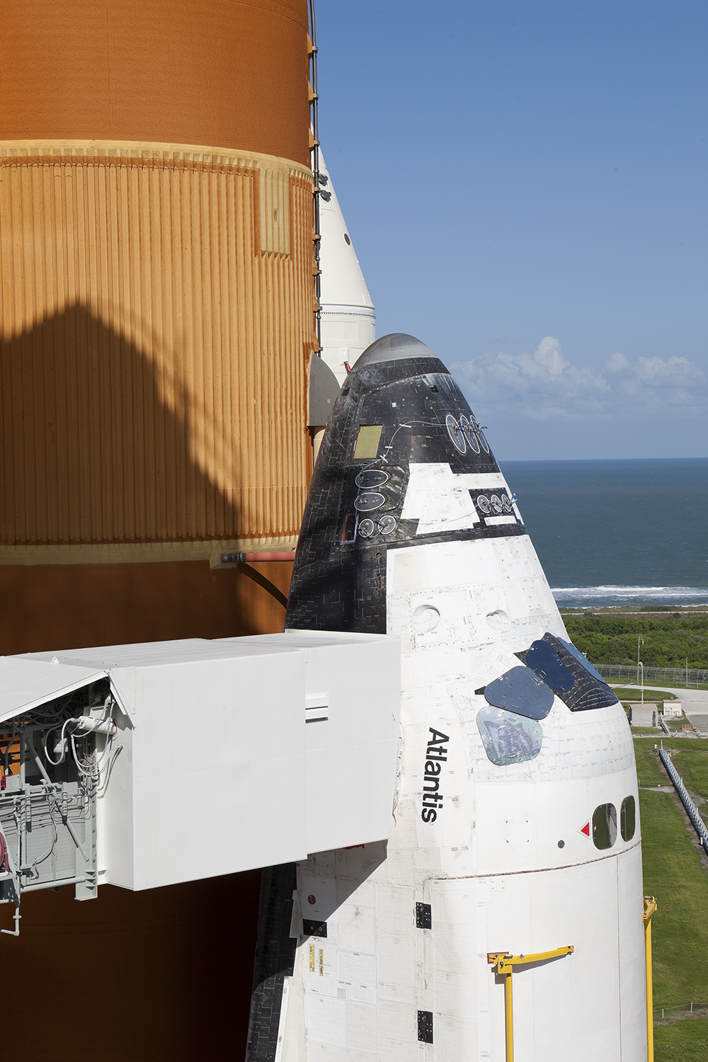 STS-125, White Room Exterior and Space Shuttle Atlantis, Pad 39A