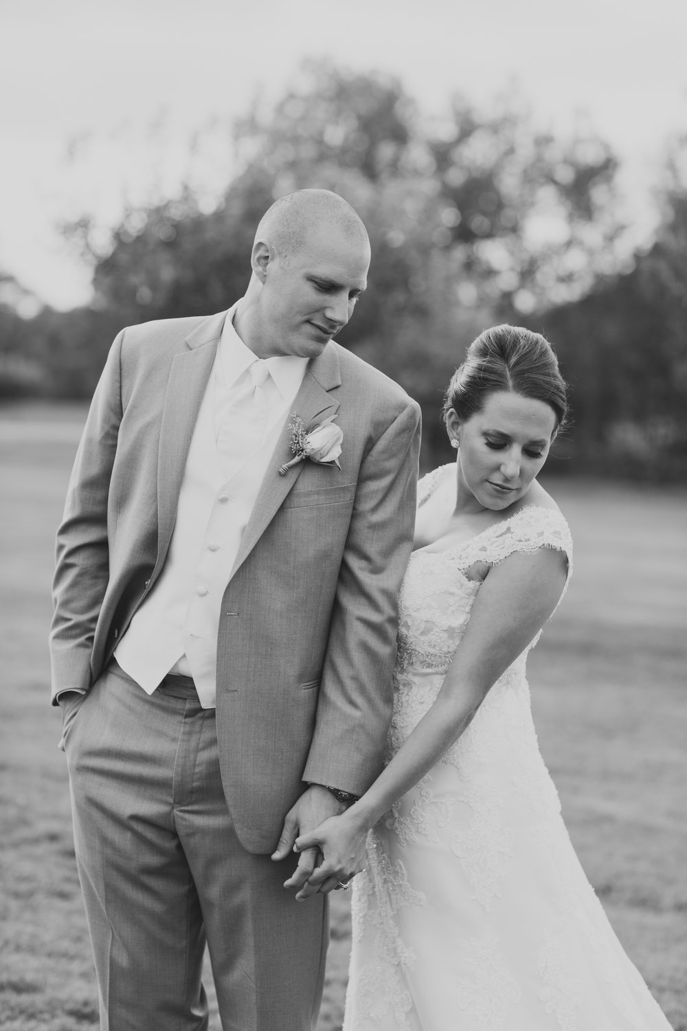 Montdale Country Club Wedding Photos_3.jpg