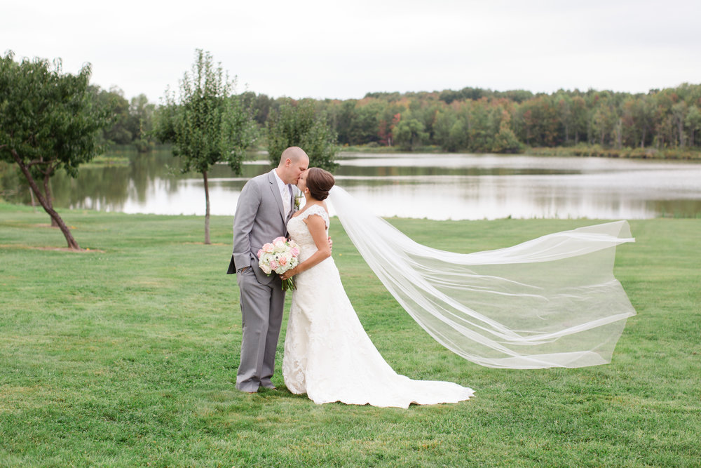 Montdale Country Club Wedding Photos_2.jpg