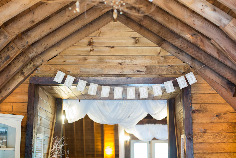 Barn at Glistening Pond Wedding Photos_JDP-15.jpg