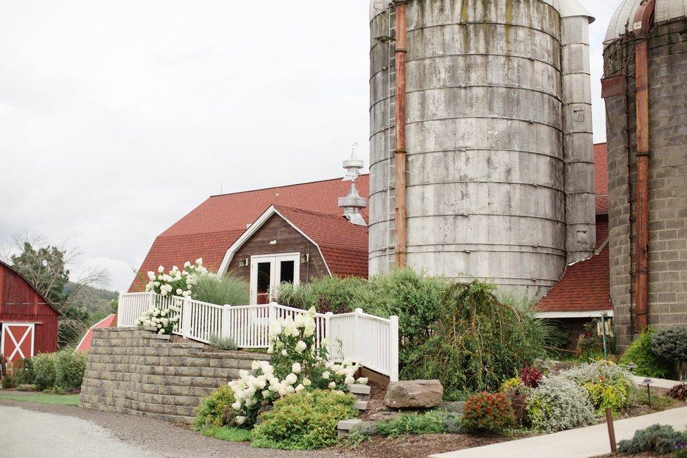 The Barn at Glistening Pond Wedding_0027.jpg