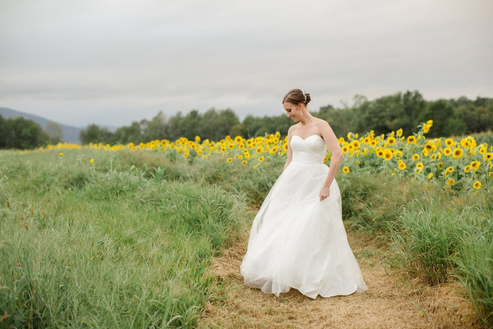 Farm at Cottrell Lake Fall Wedding_0157.jpg