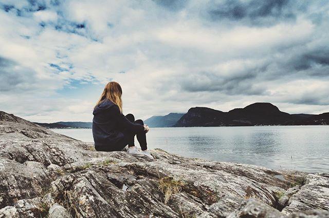 Norwegian relax.〰☁️〰 #norway #norwegian #relax #relaxing #intothewild #czechgirl #summer #summer2016 #valsøytunet #valsøyfjord