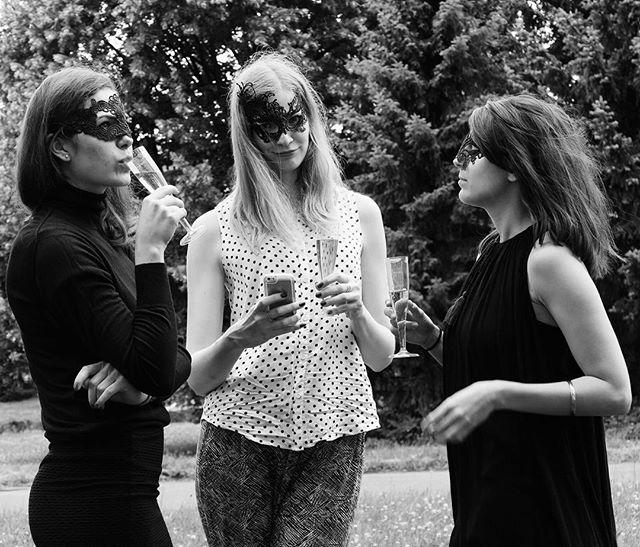 Užíváme si soukromou Moet party a soutěžíme se #zahadnakviffie 😁 #kviff #kviff2016 #karlovyvary