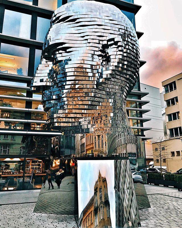 Západ slunce za zátylkem. - A sunset behind his back. - #prague #praguestagram #praguestagirl #praguegirl #prag #praga #praha #czech #czechrepublic #czechgirl #czechboy #iglifecz #igerscz #igraczech #view #art #architecture #architecturelovers #beautiful #beautifuldestinations #street #streetphotography #vsco #vscocam #travel #travelgram #travelstagram #instatravel #pragueworld