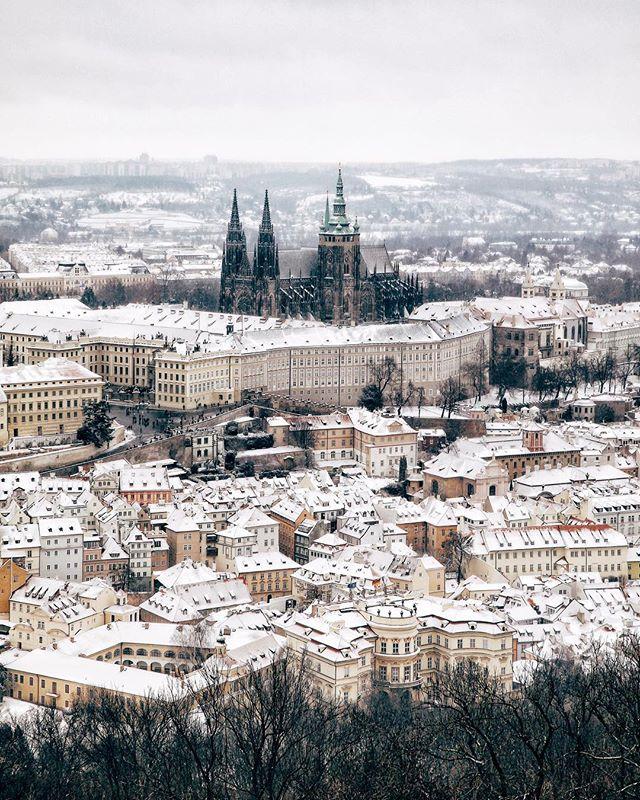 Městečko z papíru.📄 - Paper city.📄 - #prague #praguestagram #praguestagirl #praguegirl #prag #praga #praha #czech #czechrepublic #czechgirl #czechboy #iglifecz #igerscz #igraczech #view #snow #architecture #architecturelovers #beautiful #beautifuldestinations #snowy #streetphotography #vsco #vscocam #travel #travelgram #travelstagram #instatravel #pragueworld
