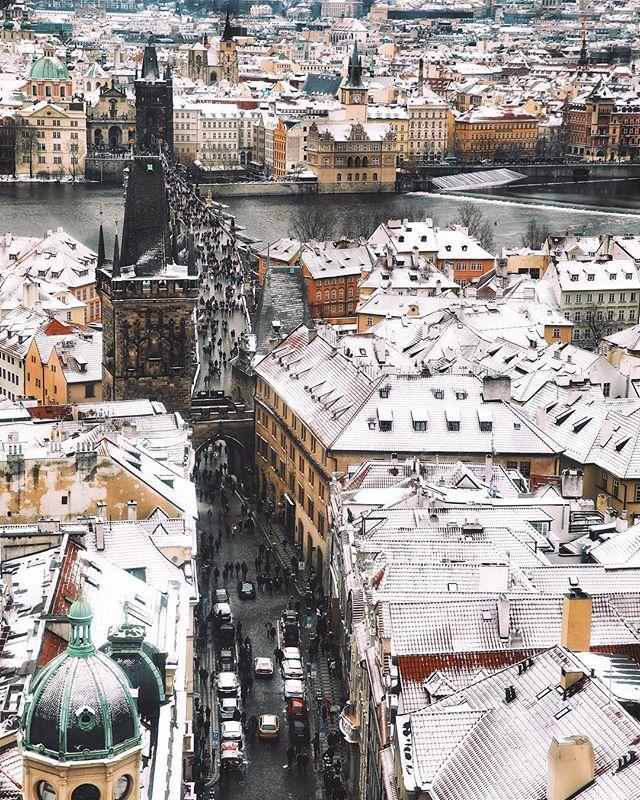 Poznáte, odkud je tenhle výhled?😉 - Do you recognize from where this photo was taken?😉 - #prague #praguestagram #praguestagirl #praguegirl #prag #praga #praha #czech #czechrepublic #czechgirl #czechboy #iglifecz #igerscz #igraczech #view #snow #architecture #architecturelovers #beautiful #beautifuldestinations #snowy #streetphotography #vsco #vscocam #travel #travelgram #travelstagram #instatravel #pragueworld