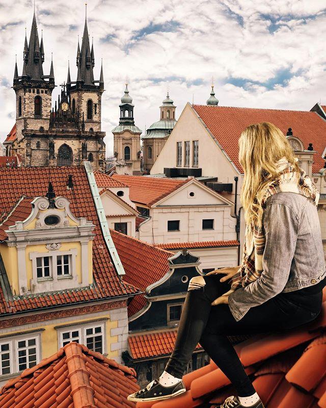 Moje tajné pražské vyhlídkové místo👀 - My secret Prague view spot👀 - #prague #praguestagram #praguestagirl #views #prag #praga #praha #czech #czechrepublic #czechgirl #czechboy #iglifecz #igerscz #igraczech #view #rooftops #architecture #architecturelovers #beautiful #beautifuldestinations #cloudy #streetphotography #vsco #vscocam #travel #travelgram #travelstagram #instatravel #pragueworld