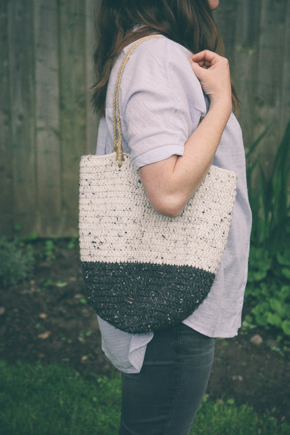crocheted wool shoulder bag - carolyn carter