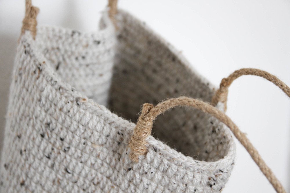 crochet bag, rope straps - carolyn carter