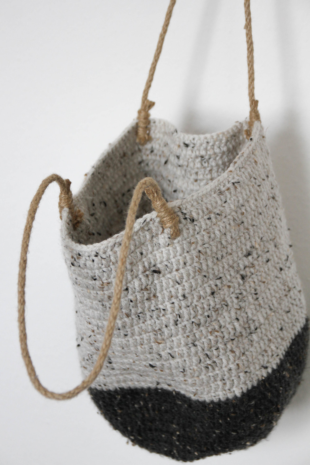 crochet wool shoulder bag - carolyn carter