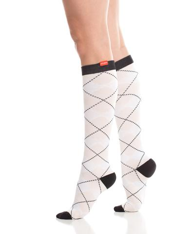 wmn-comp-socks-15-20-mmhg-women-s-all-over-argyle-white-blush-cotton-1_large.jpg