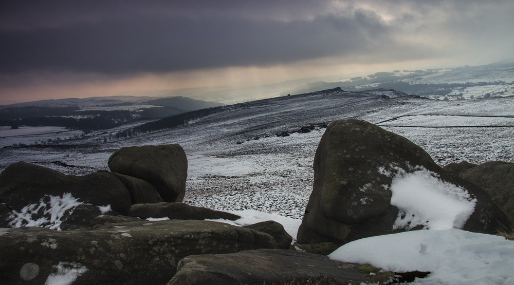 Higger Tor - clouds closing in
