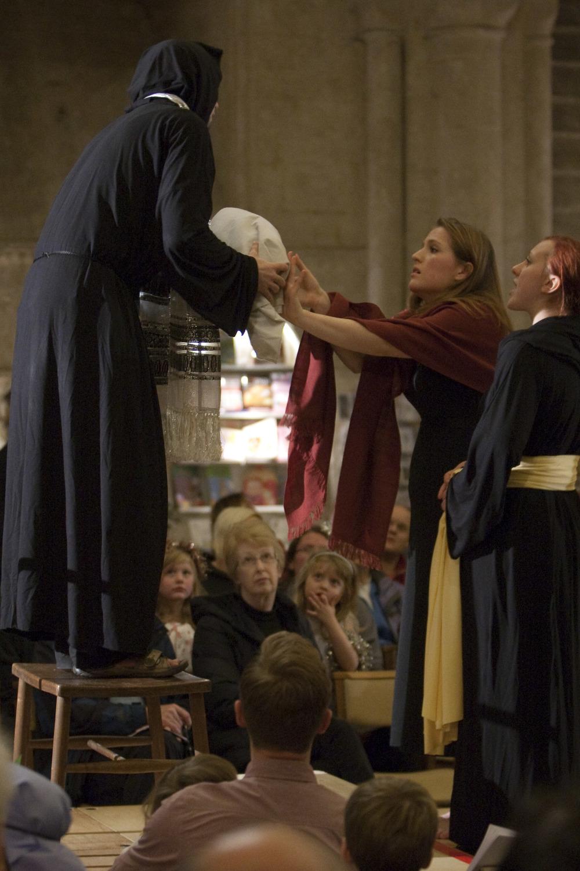 THE MALMESBURY NATIVITY2013: Mary & Joseph meeting Simeon