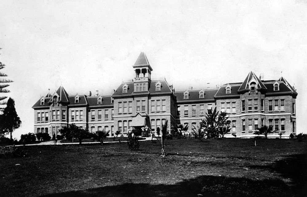 St. Vincent's Hospital, about 1900.  In 1883, The Daughters of Charity purchased land in   Beaudry Park   at a cost of $10,000 and erected a new hospital building a year later. In 1918, the hospital was renamed St. Vincent's Hospital. Photo courtesy of Security Pacific National Bank Collection, Los Angeles Public Library